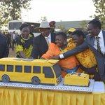 Yellow bus cake >>> http://t.co/DnpBXN6Wvu