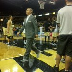 .@UCF_MBB head coach @DonnieJonesUCF wearing sneakers today for #CoachesvsCancer weekend. #UCF #Knights http://t.co/69dqbWy7Mn