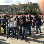La prensa internacional en pleno en Ramo Verde. Nacional solo Unión Radio, Televen y páginas Web http://t.co/AqL5o7H6Bs