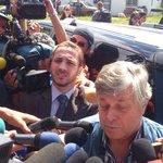 Suspenden entrada a Ramo Verde a padre de Leopoldo López #24E (vía @leoleitoleo) http://t.co/k2dOCiD8hd