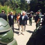 "Gobierno de Venezuela no deja entrar a visitar a @leopoldolopez a Pdtes #Pastrana y #Piñera ... #VenezuelaLibre http://t.co/qcW74reysS""qqqq"