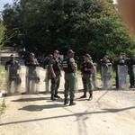 #25E Impiden la visita de Pastrana y Piñera a Leopoldo López (Fotos) http://t.co/VulKK9r9WX http://t.co/bugY5MSSSp Vía la @la_patilla
