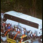 Gloria al Bravo Pueblo! Con abucheos y repudio fueron recibidos @MariaCorinaYA @AndresPastrana_ @sebastianpinera #25E http://t.co/YcJzdYTruK