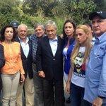 Puras joyitas: mire quiénes acompañaron a los expresidentes derechistas hasta Ramo Verde http://t.co/vyYI0ONOxj http://t.co/2ldJYj4RY9 +