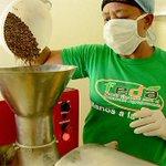 [Así se hace Patria] 125 artesanas de Gaspar Hernández convierten cacao en chocolate fino http://t.co/nNiNfML8Wl http://t.co/4BMqhdxLJG