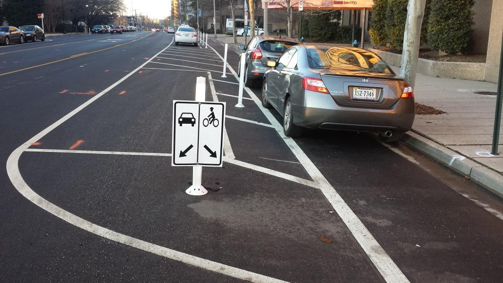 Solution: a sign pointing to existing sign. RT @CapitolHillFox: Meanwhile, in Pentagon City... http://t.co/DY56tGhM9v
