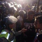 #25E Poli Nacional agredieron a manifestantes pacifico a esta hora en #Chacao La cosa esta fea RT Masivo Por Favor http://t.co/bCorv8JeA8