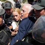 COMO EN DICTADURA. Expresidentes fueron impedidos de visitar a Leopoldo López en Ramo Verde. http://t.co/rYCYp0Q9xF http://t.co/wVH5EcWKRv