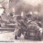 1941 - немцы штурмуют Мариуполь; 2015 - Мариуполь штурмуют россияне. http://t.co/QlAztfbPG8