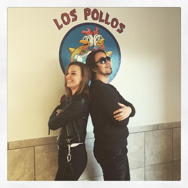 She's my chicken brother. #breakingbad @officiallzzyhale http://t.co/TdfcHg0513 http://t.co/lK4tNzjdzc