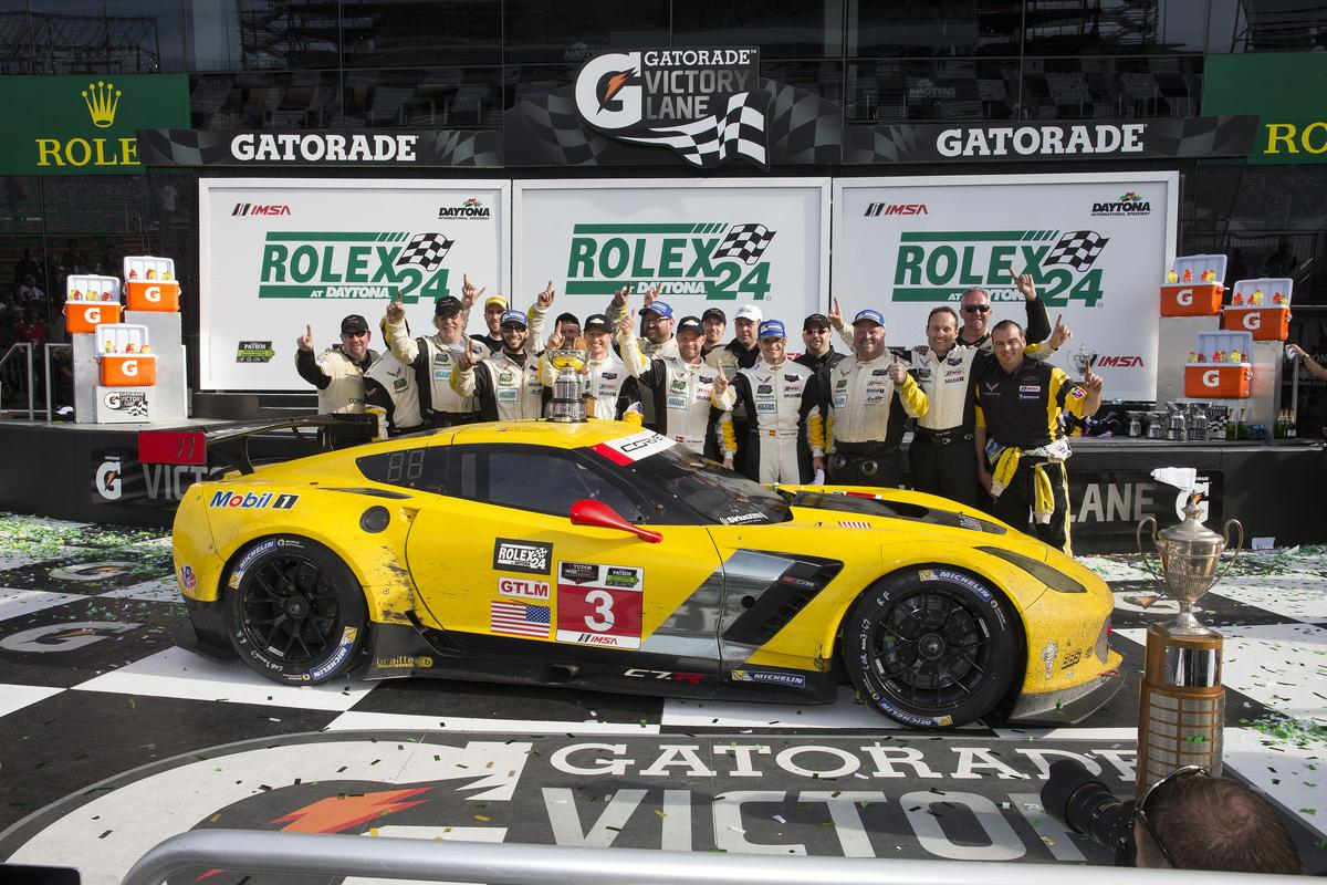 #CorvetteRacing back in Victory Lane at #Rolex24! #Corvette #C7R @TeamChevy http://t.co/TOOlD9DXhx