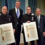 These @NYPDnews officers used a defibrillator to save a New Yorker who was having a heart attack. http://t.co/hJmMOBIM91