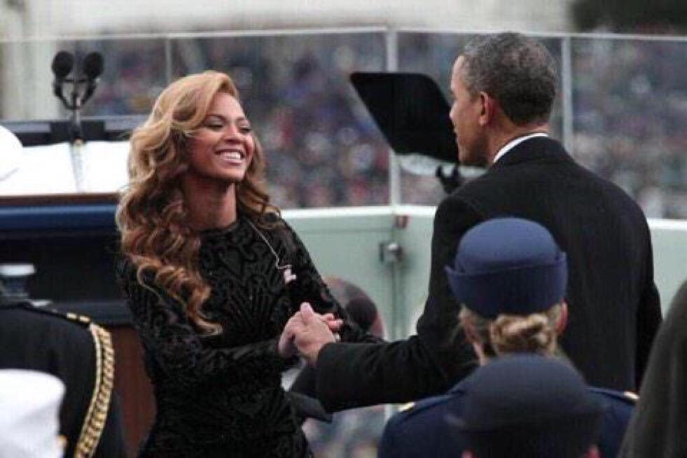 And here we see the leader of our nation greeting Barack Obama. http://t.co/GoovPMtREW