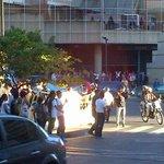 **ALERTA** PNB llega a #Chacao y agrede verbalmente a los estudiantes que hacen pancartazo http://t.co/7Z9ovdk80e