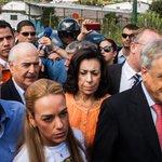 Orden de vicepresidente Arreaza impide a expresidentes visitar a López y Ceballos http://t.co/BNghrkW9ky http://t.co/ggOdJfnscz