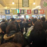 Residents of #NYC are panicking inside the Manhattan whole foods while attempting to stock up for the #blizzardof2015 http://t.co/LvzMWlZEzl