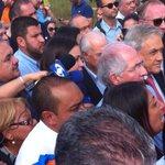 Con los crespos hechos: Pastrana y Piñera no pudieron entrar a ver a Leopoldo en ramo verde http://t.co/Jjua335lFL http://t.co/6EHmqLqaSB