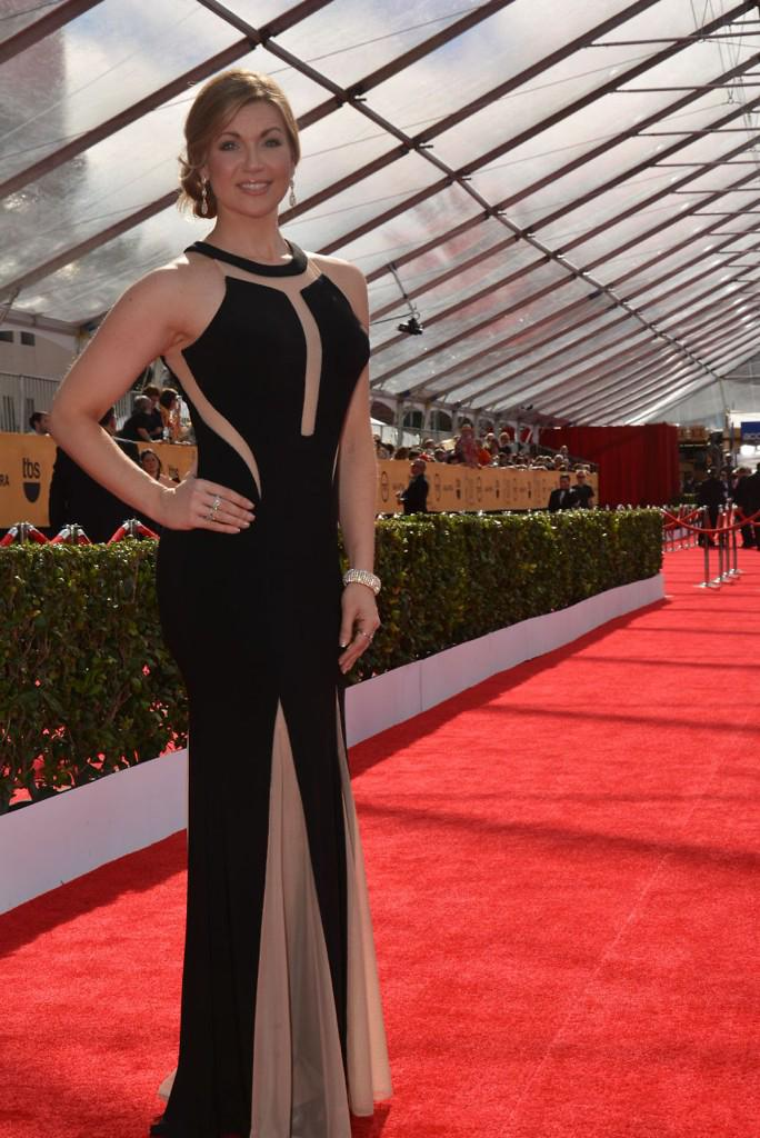 @KellyVDolan @AaronMSanchez @gillat get in on the red carpet act... @SAGawards #SAGAwards http://t.co/qjVr5pVHkn