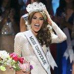 María Gabriela Isler desfila por última vez y se despide de la corona #MissUniverso2015 http://t.co/RKJKhB8grf