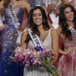 Miss Colombia crowned Miss Universe in Miami. http://t.co/SltPERNIu1 http://t.co/8CLKbael68