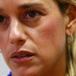 "¡CLARO Y RASPA'O! Lilian Tintori: ""Leopoldo López está secuestrado por Maduro"" http://t.co/Bwdqwd6fwF http://t.co/hMjRx7f32P"