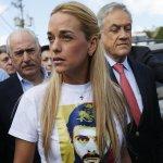 """Lilian Tintori: """"Queda demostrado que Leopoldo López está secuestrado por Maduro"""" -► https://t.co/DhnJzCNtcX http://t.co/aOLXK9YEEF"""