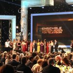The SAG Award for ENSEMBLE IN A COMEDY SERIES goes to @OITNB ! Congratulations everyone! #sagawards http://t.co/wPWUDt4ZpI