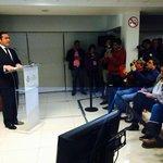 En estos momentos conferencia de prensa del fiscal @luisangelbravo, casi Moisés Sanchez http://t.co/fC3E7b1UIx