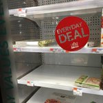 Desperate times at #TriBeCa Whole Foods. #snowpocalypse #juno http://t.co/dyzJQKJsMr