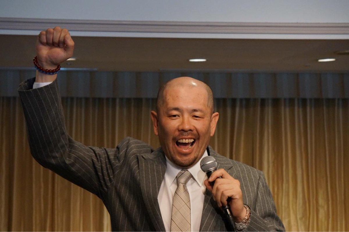 引退記者会見で「やりました〜っ!」と叫んだのは、プロ野球の歴史の中であなただけでしょう。巨人・中日で17年、小田幸平さん、お疲れさまでした! http://t.co/PcpJLETNeI
