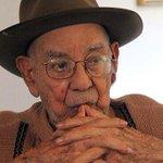 Nicolás León sopló la velita número 100 http://t.co/fP8DnbvbW7 http://t.co/eQyd0tZdWh