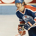 Happy 54th BDay to Wayne Gretzky, the best player ever to lace up skates in the NHL #TheGreatOne http://t.co/JhK7MMzUXJ