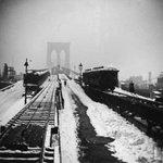 A voir et à lire : la tempête de neige à New York... de mars 1888 http://t.co/Y7o42ih9qb http://t.co/jyngRVBf66