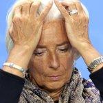 """Elle se ridiculise en vantant le""""féminisme""""du roi dArabie & se fait chasser par le peuple grec. #PasSonJour #Lagarde http://t.co/F96QXn5Tly"""