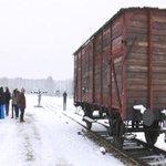A Auschwitz, des lycéens sur les traces de déportés http://t.co/1lfxjKAcSa http://t.co/qFeWqPHBo9