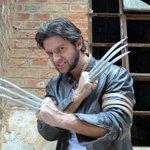 Luta contra o câncer infantil tem sósia de Wolverine como aliado para cura em SP http://t.co/8AYyD4RE5z #G1 http://t.co/NsPy3FIqUN