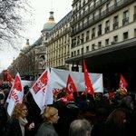 """Slogans """"Macron tes foutu les salariés sont dans la rue !"""" #LoiMacron retrait http://t.co/rTffwNwnv2"""