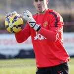 Victor Valdes is set to play in an #mufc shirt for the first time tonight. He lines up for the U21s vs Liverpool. http://t.co/kPJtFNBASI