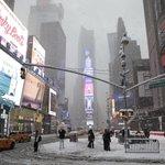 """New York se prépare à """"lune des plus importantes"""" tempêtes de neige de son histoire http://t.co/lPHHCMspUl http://t.co/rYWRcvskYW"""