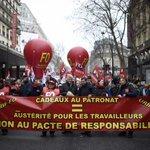 Lois Macron : des milliers de salariés défilent contre la «casse sociale» http://t.co/Y1DPfClvPc http://t.co/tFuz4DtAmP