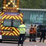 Sécurité routière: oreillettes, casques et écouteurs bientôt interdits au volant http://t.co/GODi463NId http://t.co/Dlx2l3q5F7