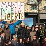 En hommage à « Charlie Hebdo », des lycéens ont marché de Bordeaux à Paris http://t.co/3xFKG7uanQ http://t.co/Undy2J2N7d