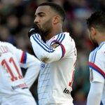 OL : Lacazette forfait face à Monaco, au PSG et Lorient. http://t.co/wkE0rMyzwr http://t.co/uHLIfcGile