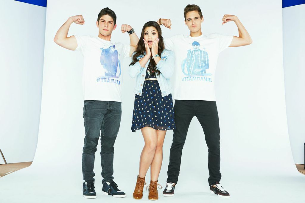 Are you #TeamJax or #TeamDaniel? Head to http://t.co/4QtVS2kC2l to vote now for the season finale of #EveryWitchWay! http://t.co/hvHFntDv3h