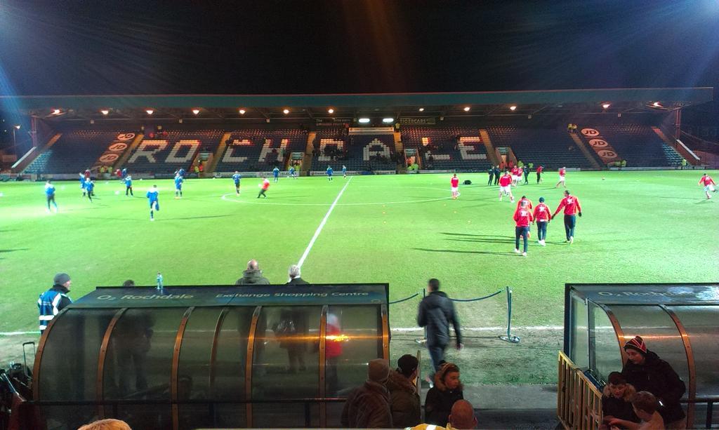Spotland Stadium, palco da partida entre Rochdale x Stoke City. Jogo começa às 18h http://t.co/aGvsMMwU9o