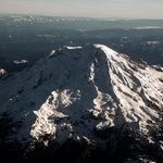 Stunner #view of #MountRainier as seen from the air while headed down to #Arizona for #SB49. (#PISB49 via @seattlepi) http://t.co/p04ARv0eP2