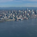 Beautiful shot of #Seattle just now from skyKING. #KING5 http://t.co/J4OWOctl9A
