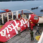 Why did #AirAsia #QZ8501 crash into the sea while 7 other planes flying nearby landed safely? http://t.co/zr9XrytL7y http://t.co/KBrSeDkSJV