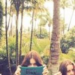 #TaylorSwift & the #HAIM girls pay random homage to #BillMurray! http://t.co/z8QnnacxIR http://t.co/dxZ4RLef0C