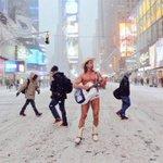 """@NYC: Merica🗽🇺🇸 #TimesSquare #nyc #blizzardof2015 #Snowmageddon2015 (image via @AnabellaPoland ) http://t.co/HsHeqTkCMh"""